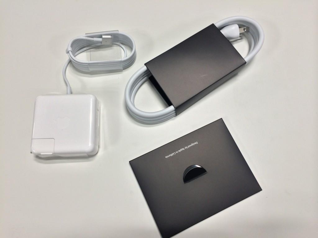 MacBook Pro Retinaの付属品