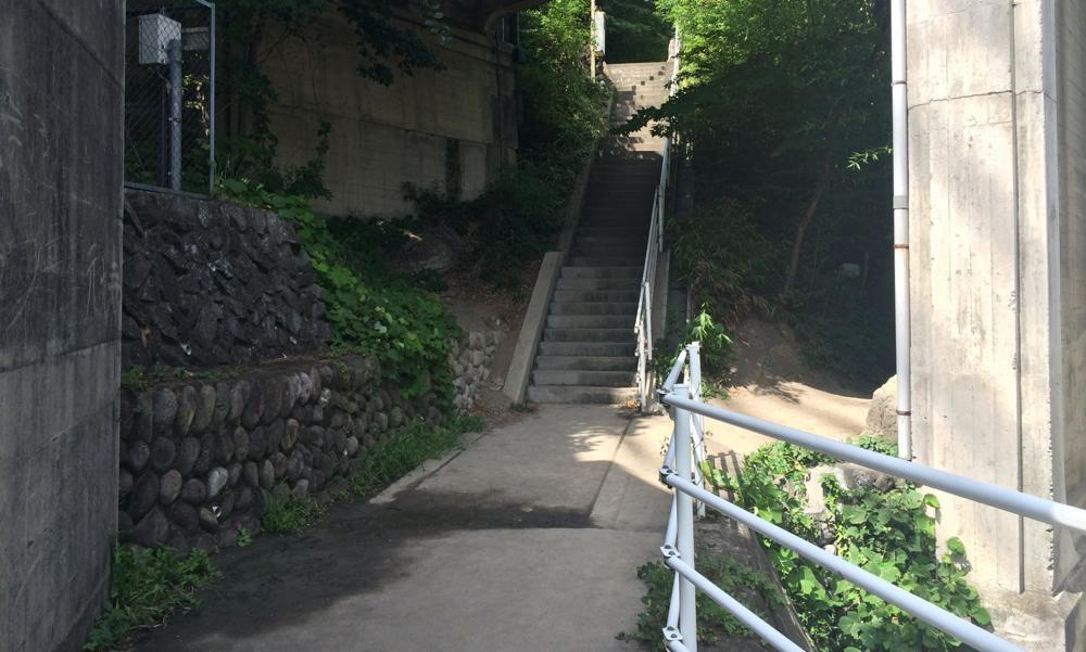 旧秩父橋の階段
