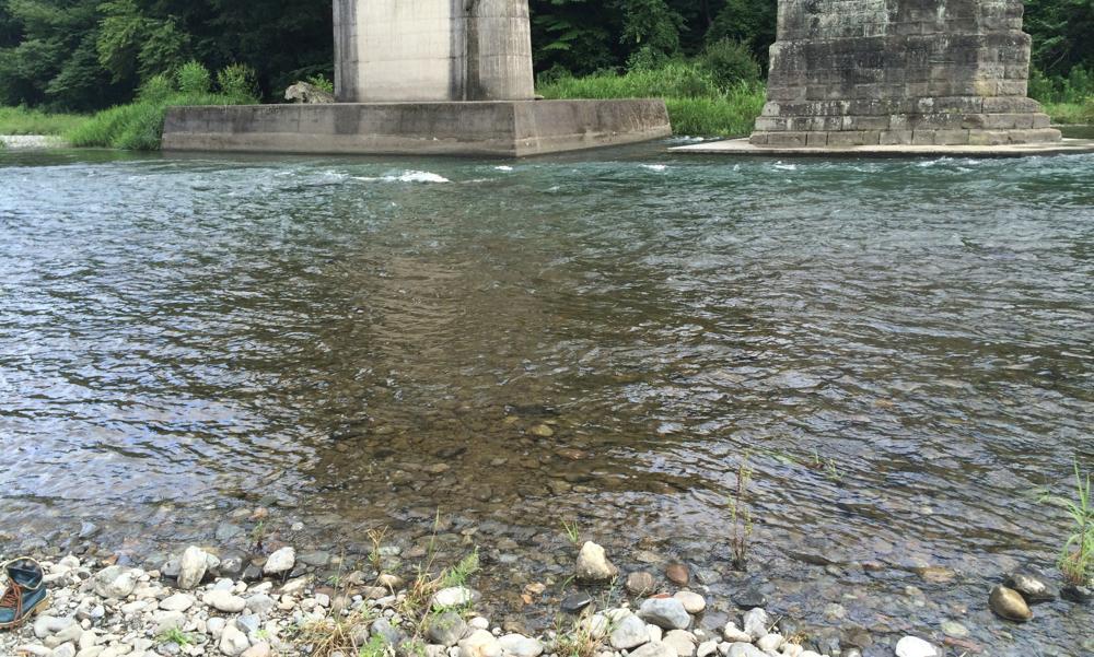 旧秩父橋下の荒川