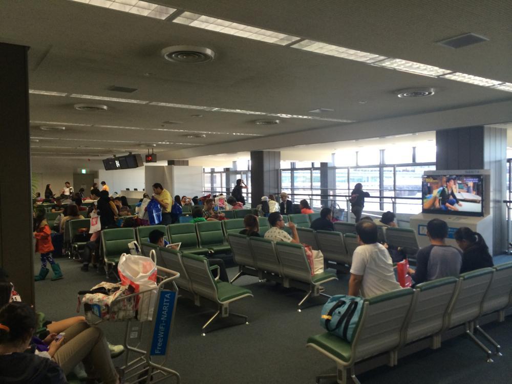 乗客はフィリピン人がほとんど