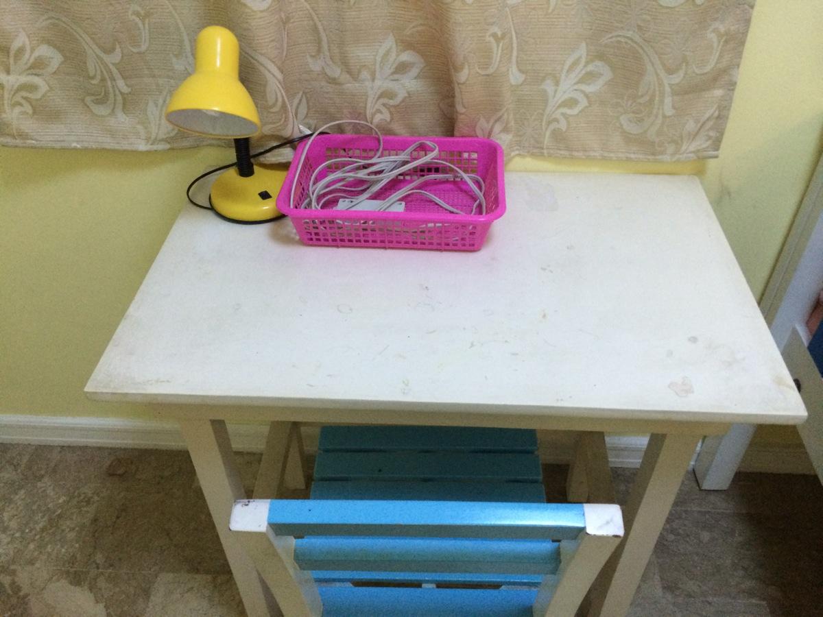 一人部屋の机