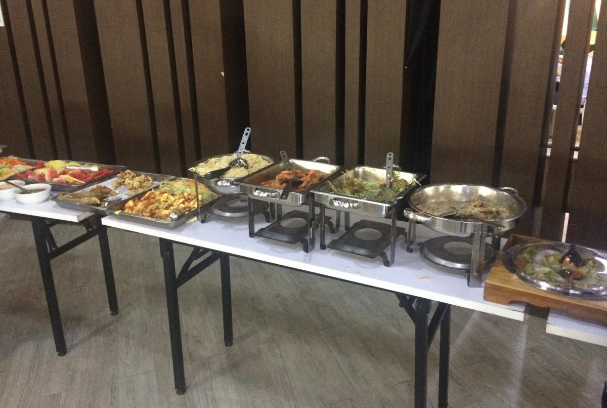 学校の食事の様子