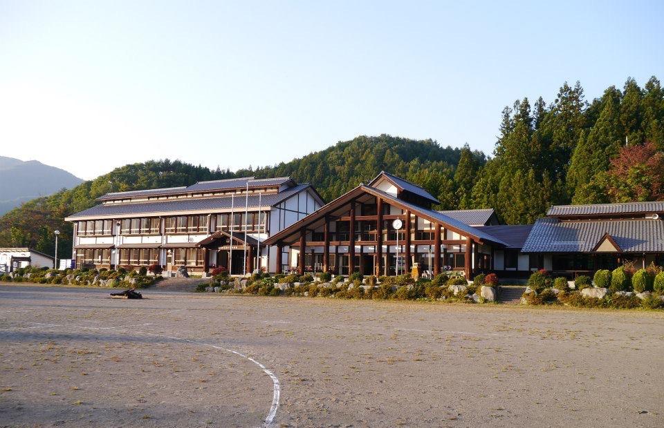 さる小の校舎
