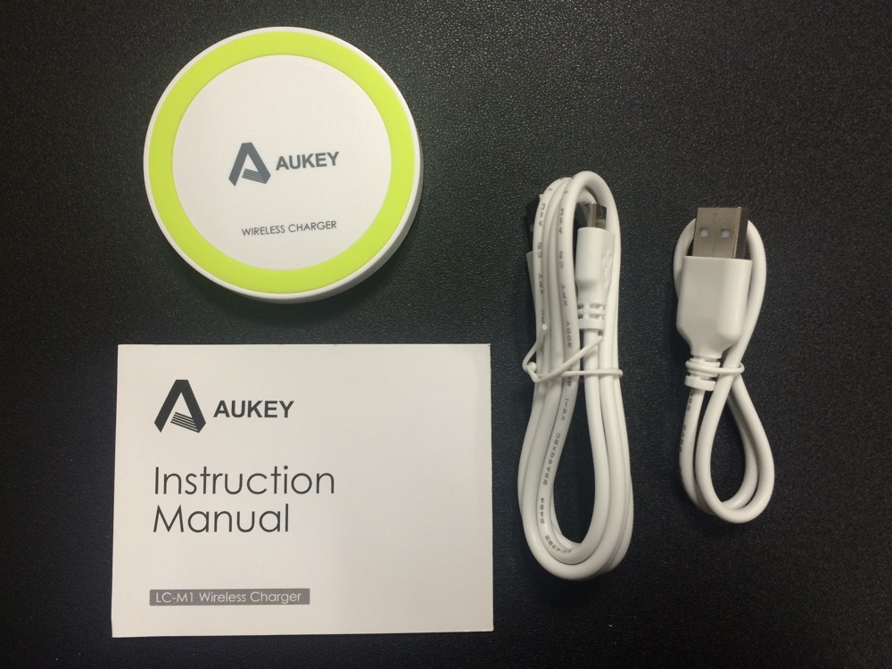 Aukey Qi充電パッド LC-M1の付属品