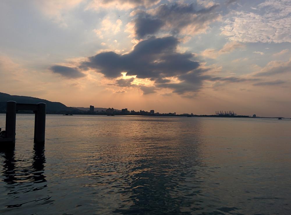 そろそろ夕日が沈む