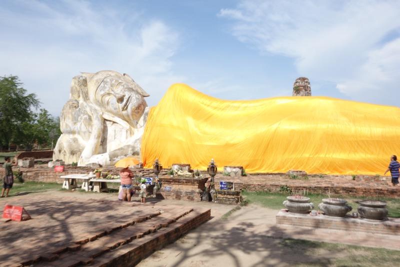 寝釈迦仏像