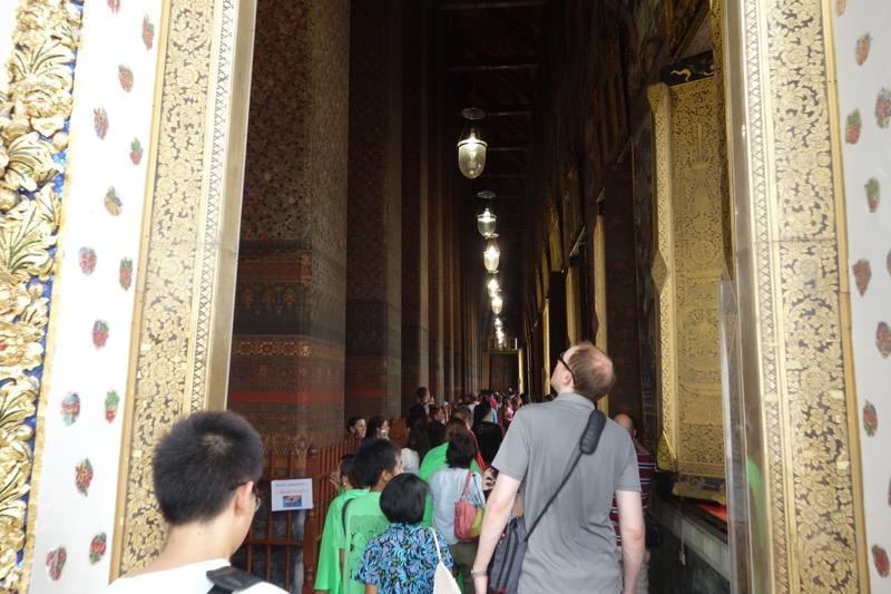 金色の仏陀へ