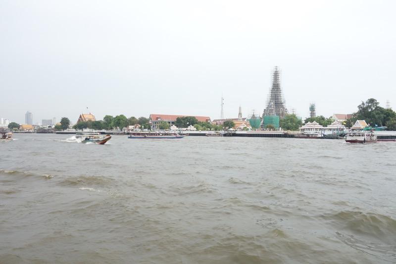 チャオプラヤー川の様子