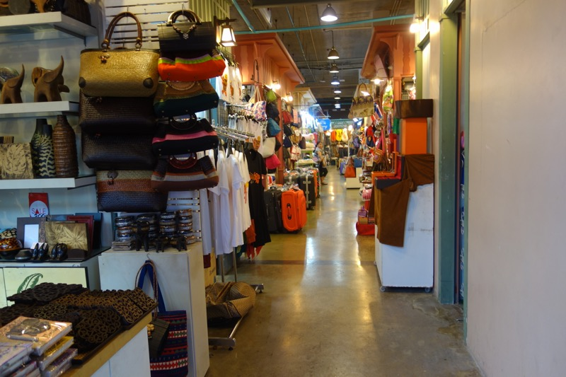個人商店の通り2