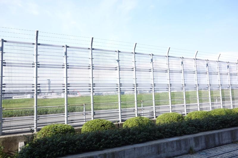 羽田空港の滑走路が見える
