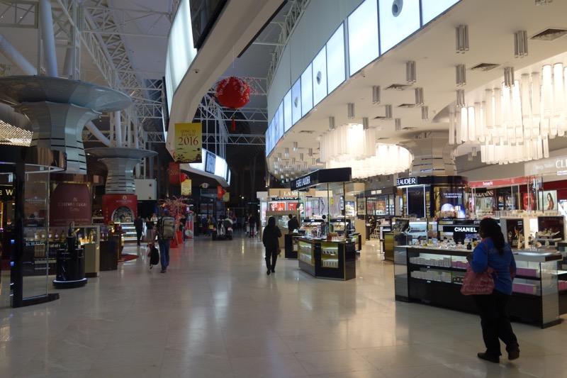 空港の免税店