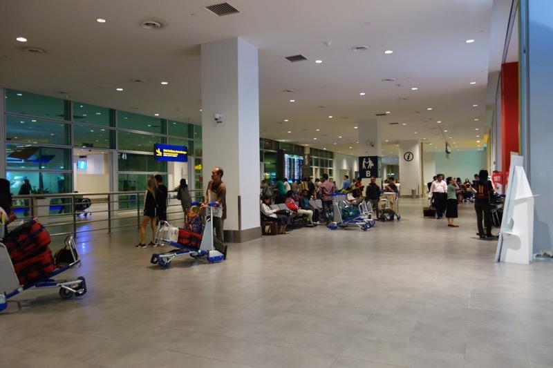 クアラルンプール国際空港の到着エリア