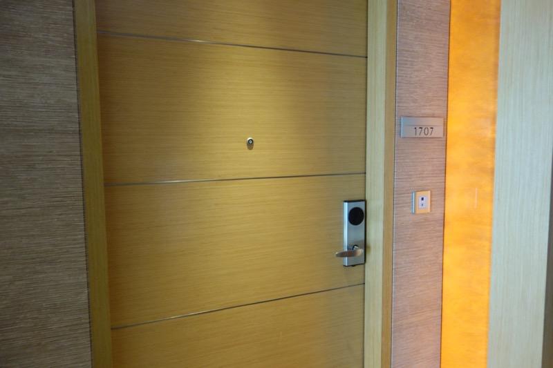 部屋は17階の1707号室
