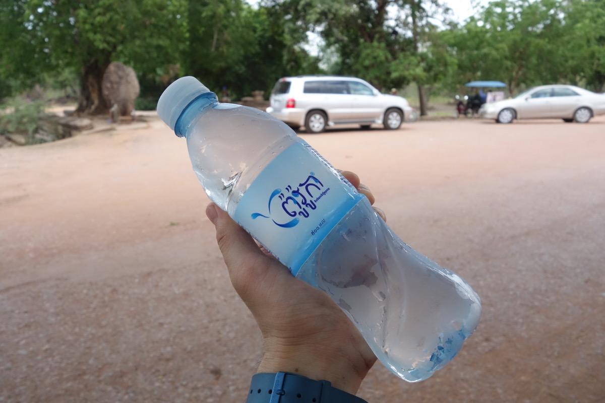 カンボジアの水