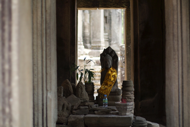仏像が飾られている