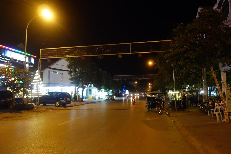深夜のシェムリアップ市内
