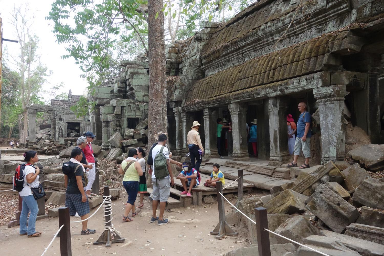 祠堂の入り口
