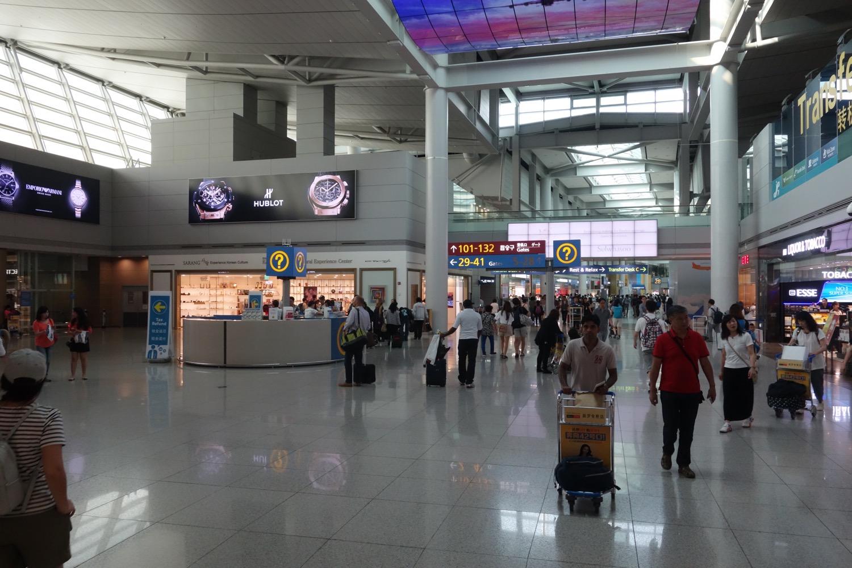 仁川国際空港の制限エリアへ