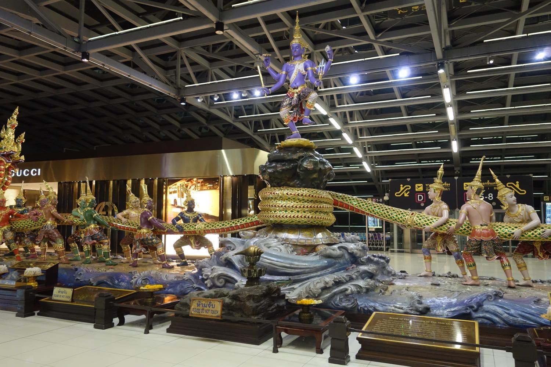 スワンナプーム空港のモニュメント