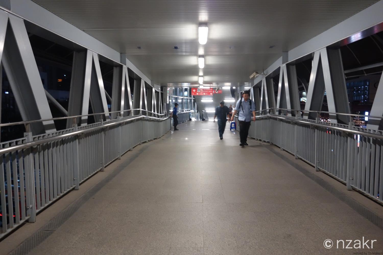 ペッチャブリー駅までの道