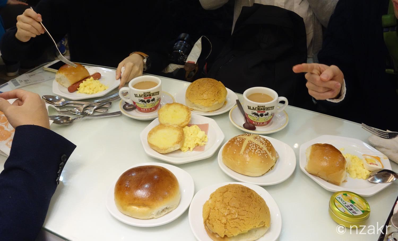 佳記餐廳で朝飯
