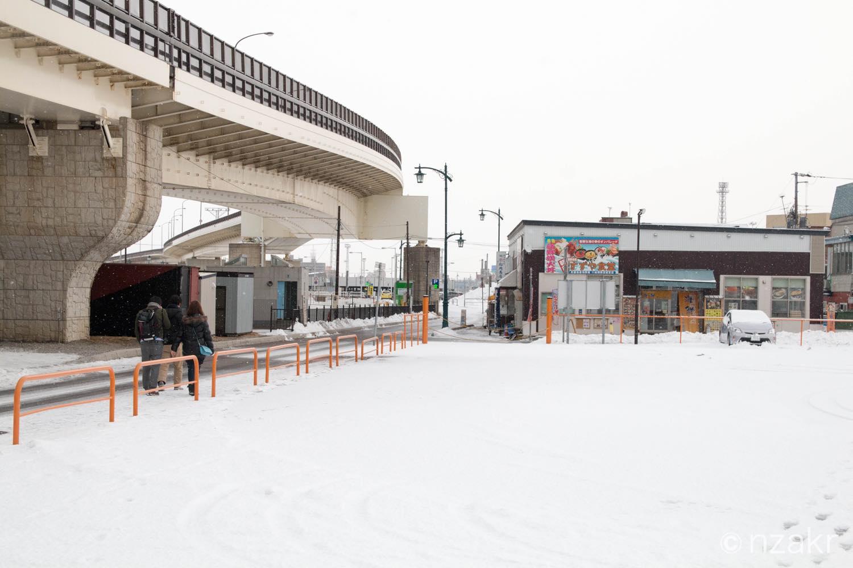 函館駅前の海沿い