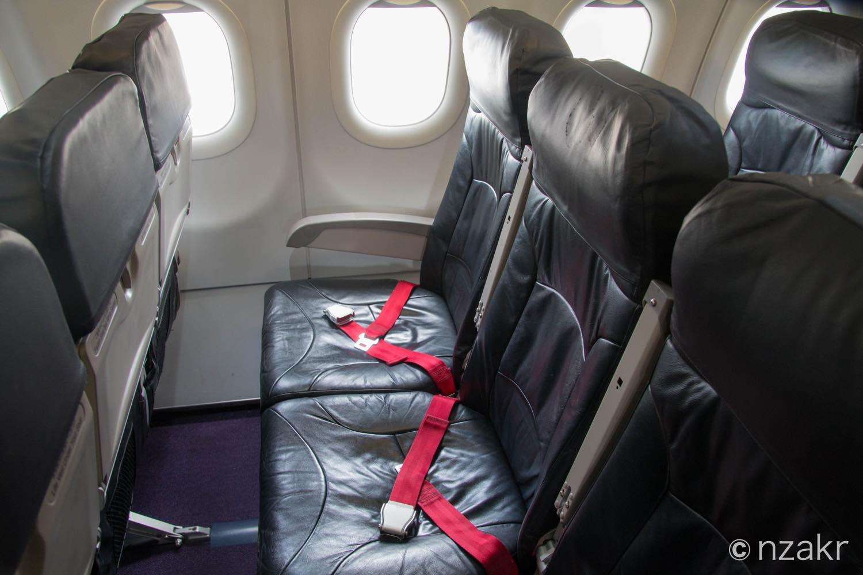 3列シートの座席