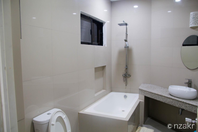 シャワーとトイレ