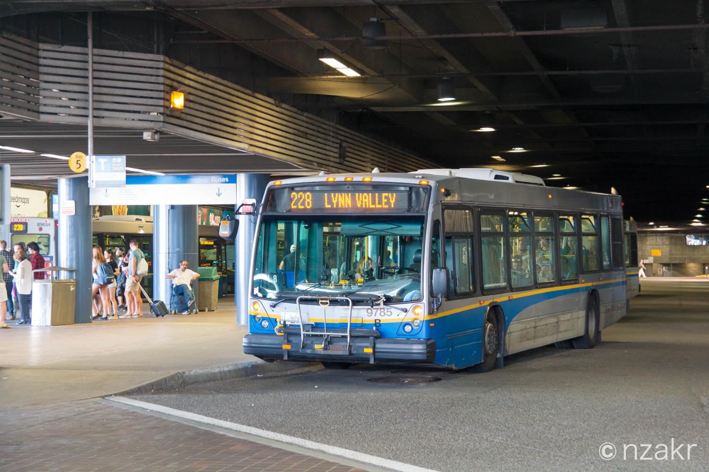 リーンキャニオン行きのバスは228番