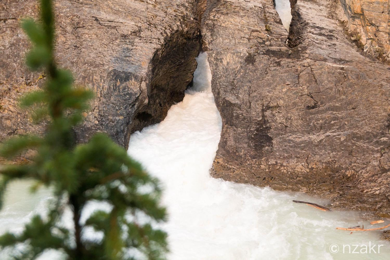 川が渦を巻いてました