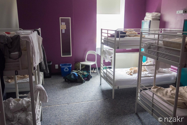 部屋は10人部屋