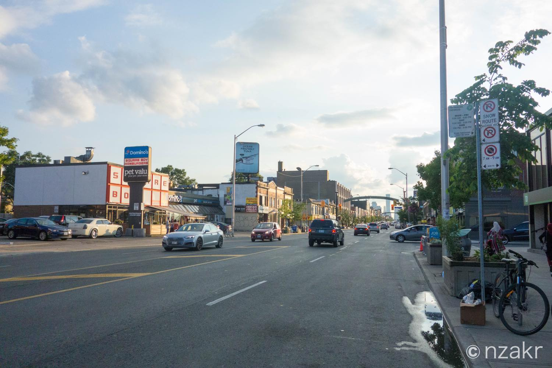 ホステルの前の道路
