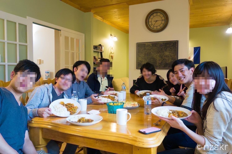 夕食時の集合写真
