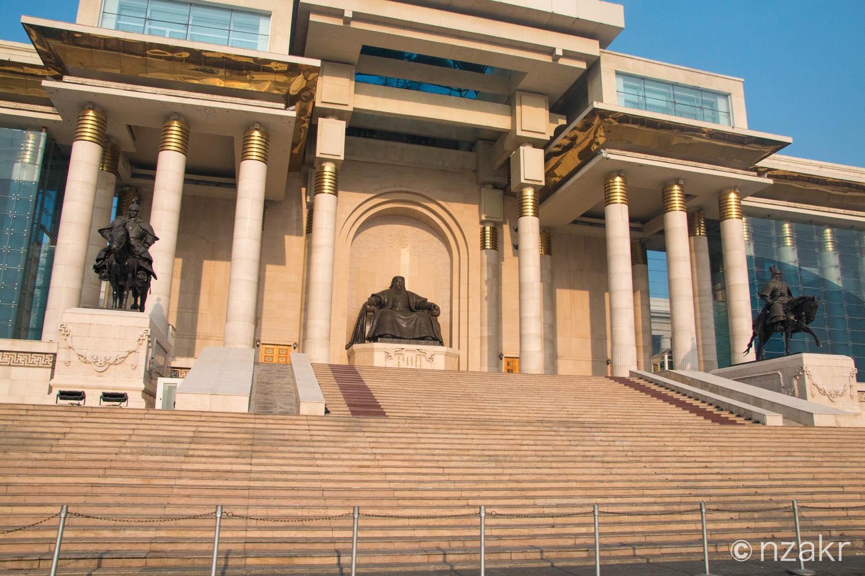 モンゴルの政府宮殿(国会議事堂)