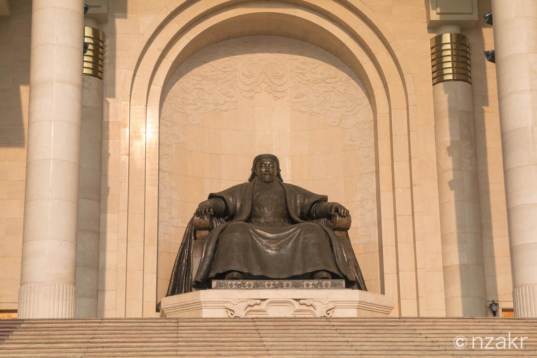 チンギス・ハンの銅像