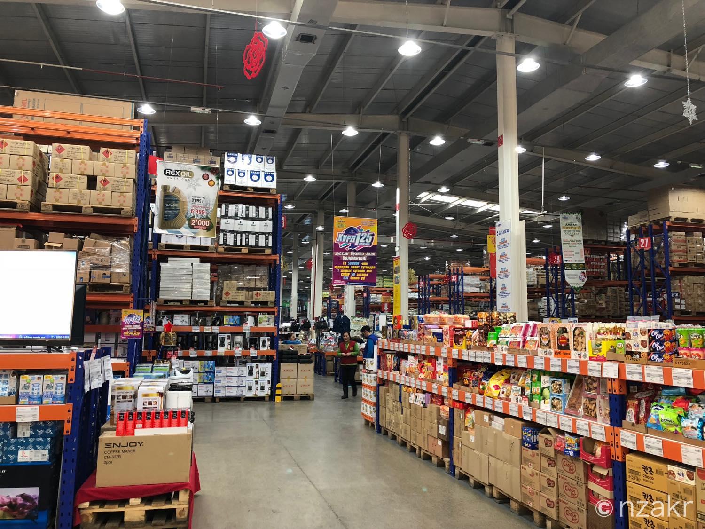 モンゴルの大型スーパー