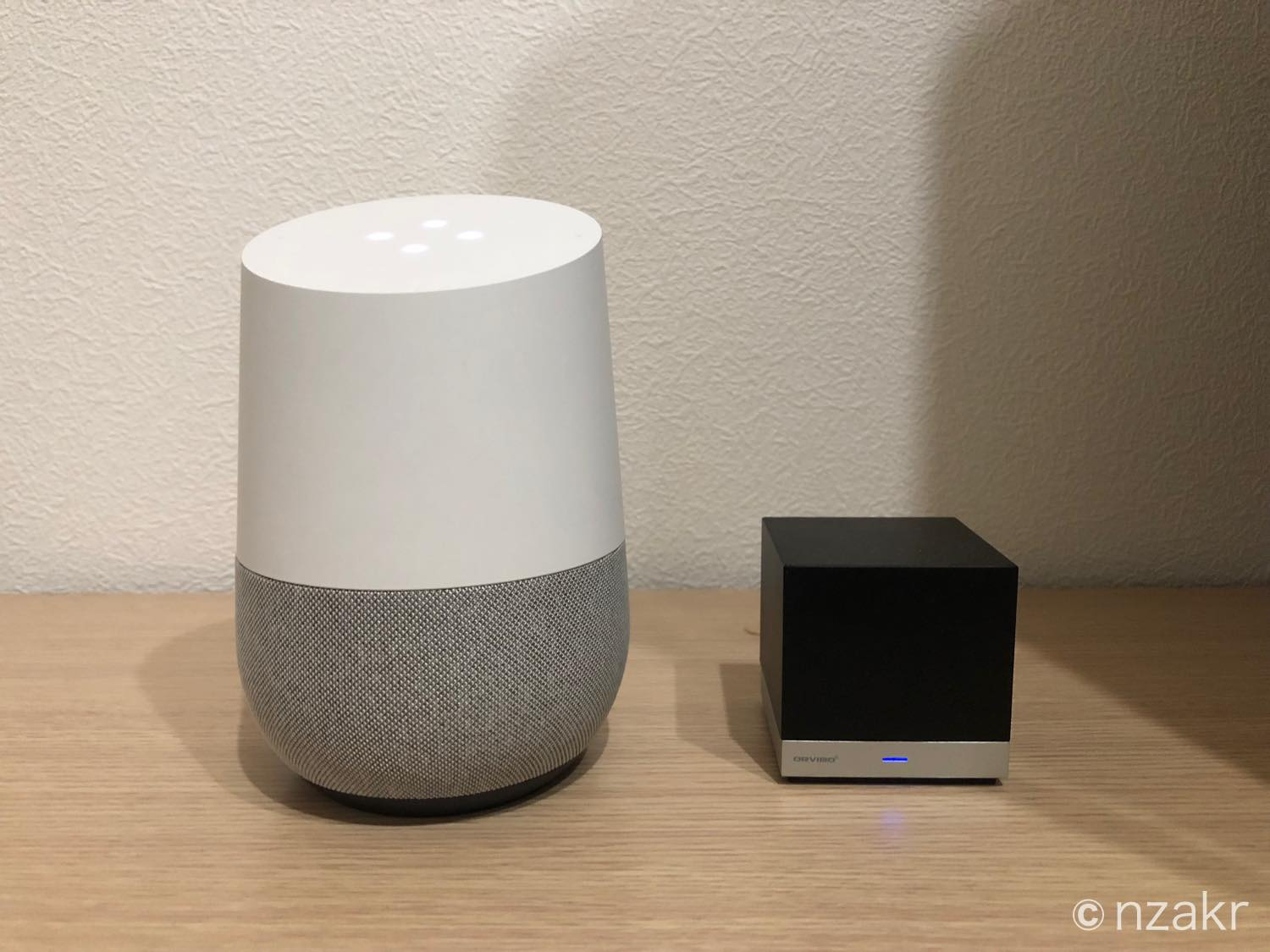 Google HomeとMagic Cubeを並べて設置