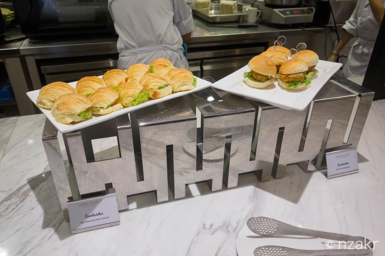 サンドイッチやハンバーガー