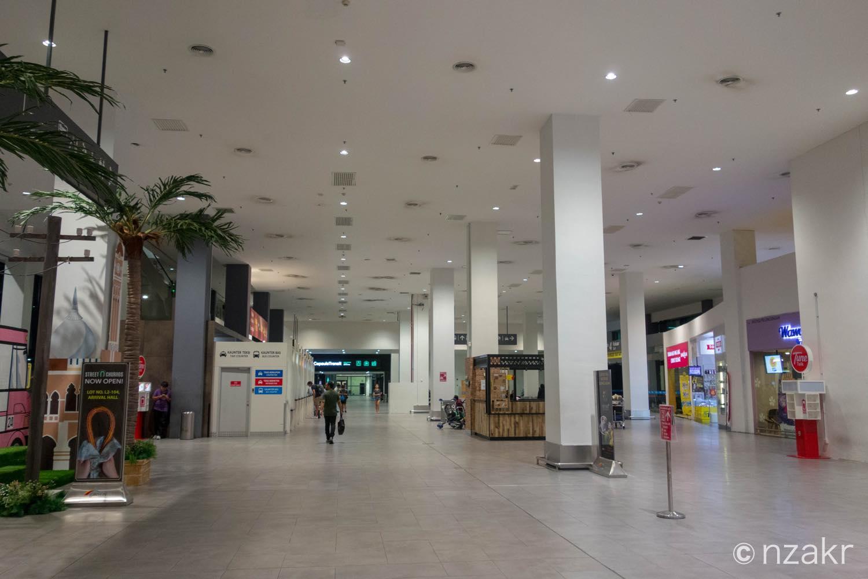 ターミナル2の1F