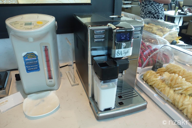 コーヒーやミルク、カフェラテ