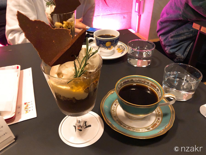 ショコラパフェとコーヒー