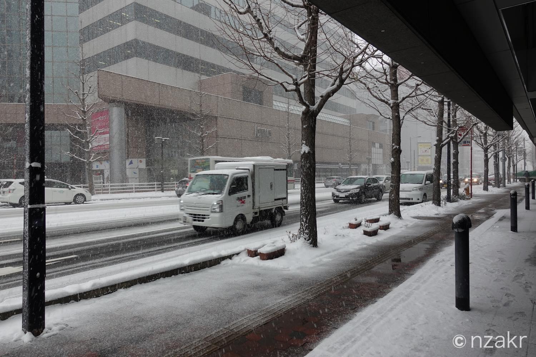 外は大雪でした